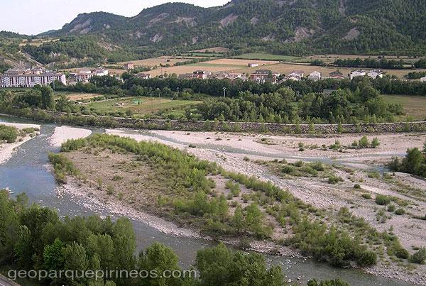 Turismo geol gico y de naturaleza rutas yacimientos for Terrazas fluviales